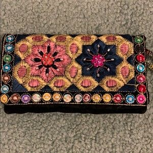 🌈 Embroidered Wristlet
